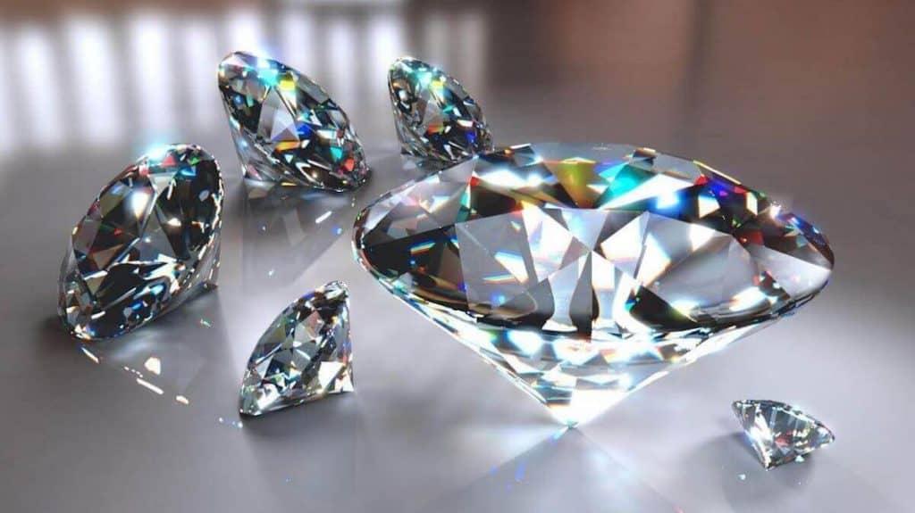 ejemplos de recursos no renovables diamante
